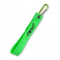 Reflexní přívěsek s karabinou zelený